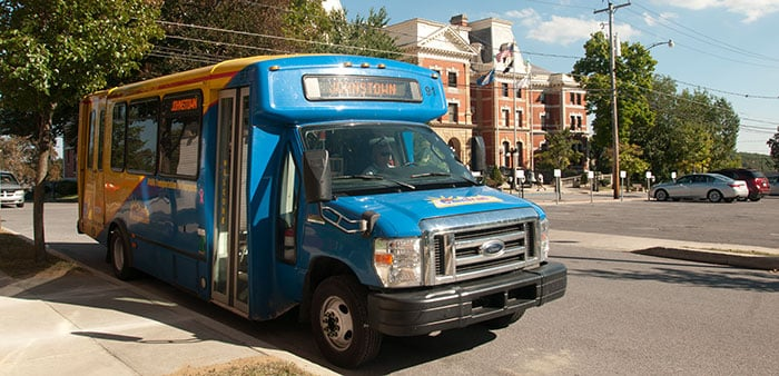 CamTran bus at the courthouse